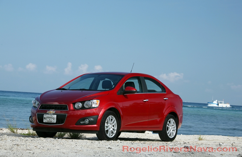 2011 Chevrolet Sonic, Cozumel, Quintana Roo, Mexico  [ Focal lenght: 110 | Shutter speed: 1/60 | f number: 9 ]