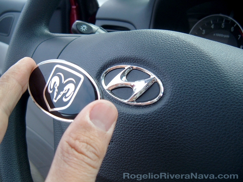 "2006 Hyundai Accent (labeled ""Dodge Attitude"" for the Mexican market). Dodge oval logo covering the Hyundai logo in the steering wheel. / Photo by Rogelio Rivera-Nava  / rogelioriveranava.com [ Focal lenght: 5.7 