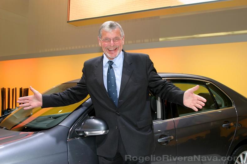Wilfried Bockelmann, director de desarrollo técnico de VW, Auto show de Detroit (NAIAS) 2005.