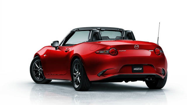 Mazda_MX5_Miata_rear_34